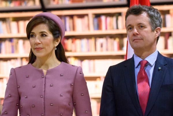 Kronprins Frederik og Mary får ærefuld titel: Frederiks reaktion vækker stor opsigt hos danskerne