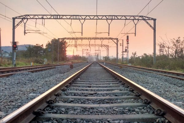 Jernbanebom ude af drift - anbefales at bilister bliver væk