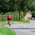 Politi efterlyser mand på cykel - kan være vidne til drabsforsøg
