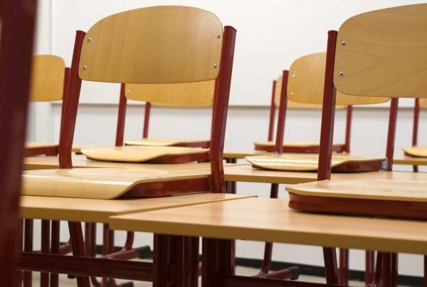 Coronasmitten løber løbsk - nu lukker skole i en hel uge