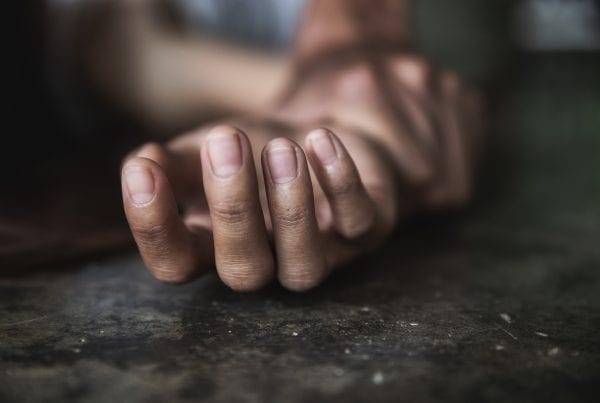 Ung kvinde voldtaget på kollegieværelse