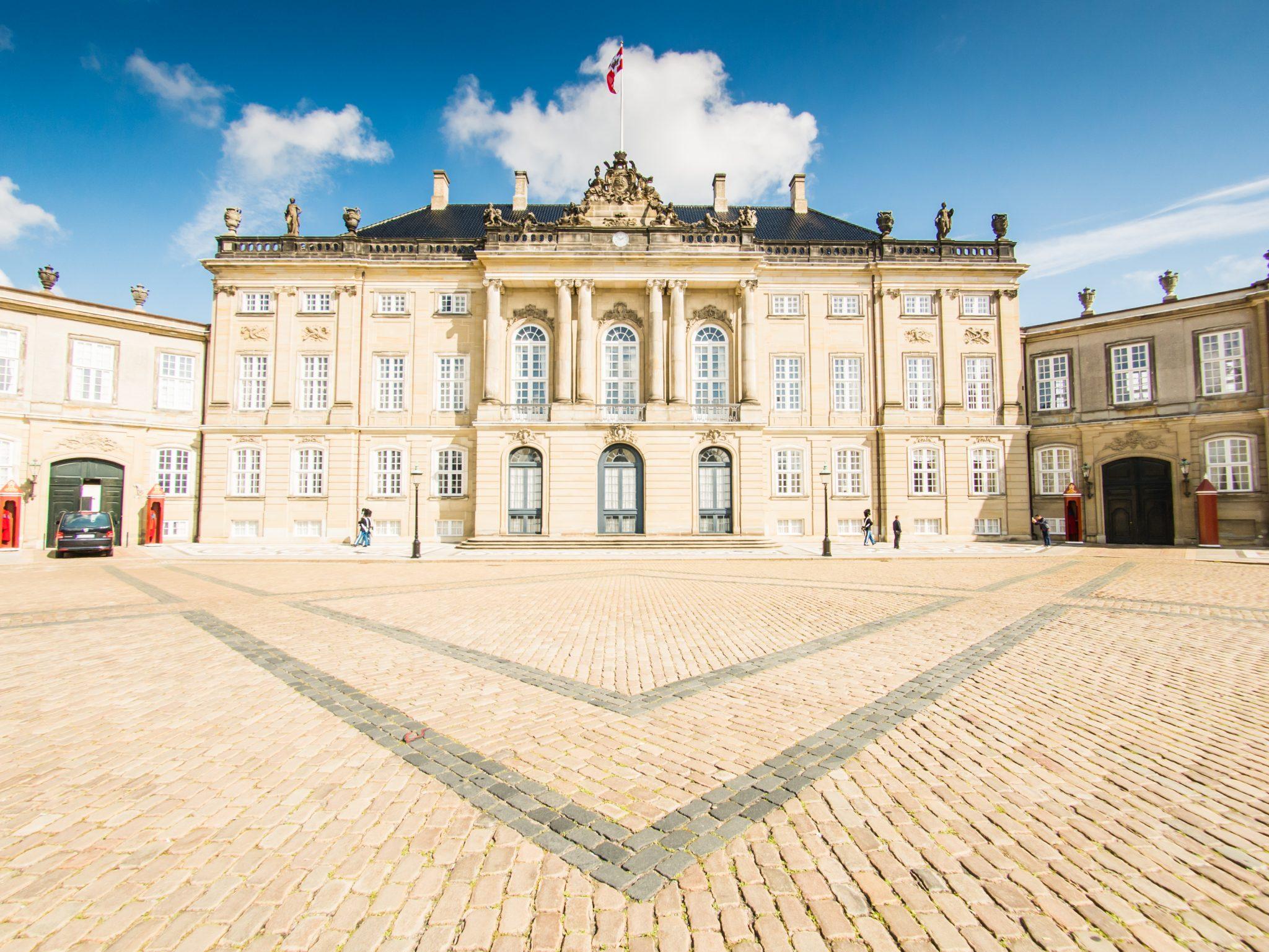 Se det første billede af H.K.H Prins Joachim, efter blodproppen