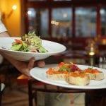 Ejer lukker sin restaurant ned: ''Vil ikke bede personale om at gå med mundbind''