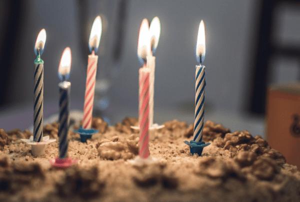 Fejrede datterens fødselsdag og overholdt alle restriktioner: 13 gæster smittet med covid-19