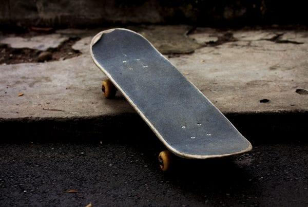 Drama: Børn legede på skateboard i 15 meters højde