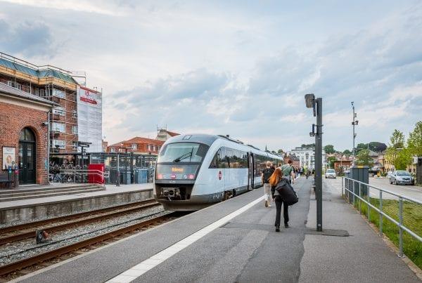 42-årig mand død - påkørt af tog