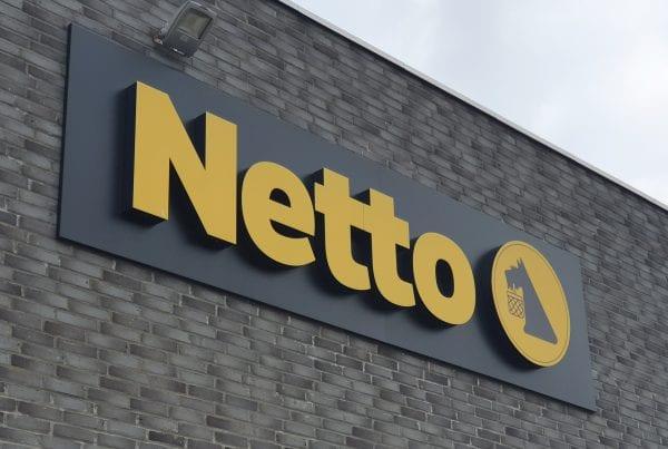 Politet efterlyser 55-årig kvinde - diskriminerede 27-årig kvinde i Netto
