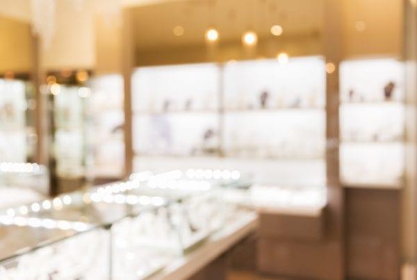 Politiet efterlyser butikstyv - Stjal guldring