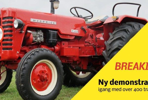 Lige nu er omkring 400 traktorer i gang med en demonstration som finder sted iHjørring i Vendsyssel, for at vise sin utilfredshed omkring måden regeringen har valgt at håndterer mink-situationen i det nordjyske