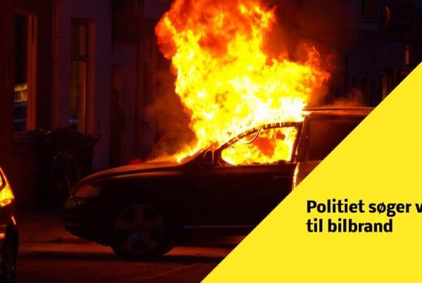 Politiet søger vidner til biler i brand