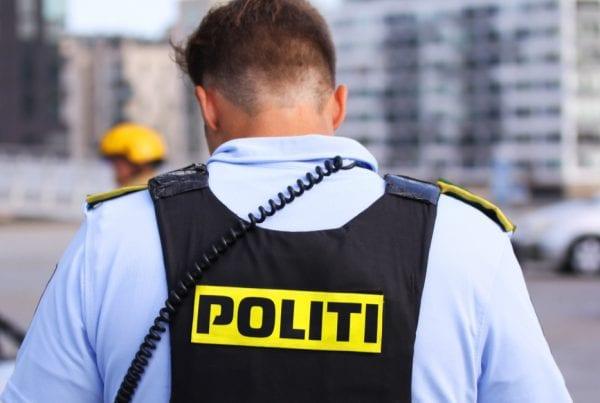 Betjent tog fire vanvidsbilister på tre timer