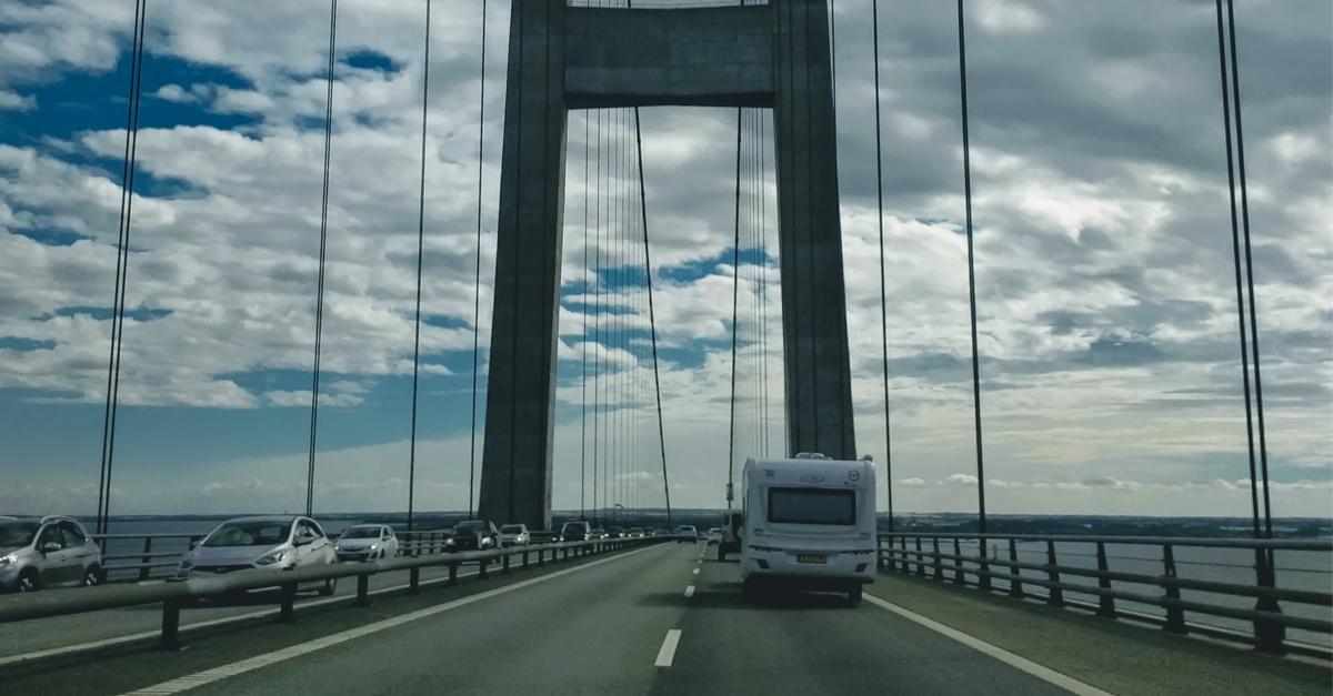 Storebæltsbroen: 'Vindfølsomme køretøjer frarådes'